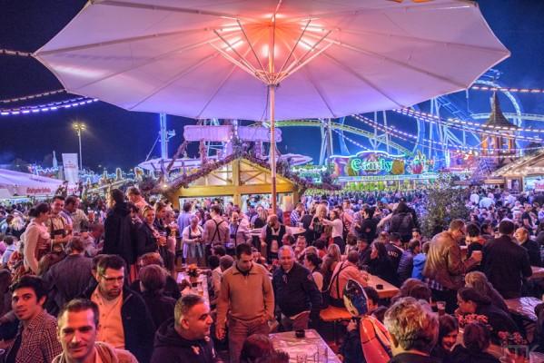 almhuette_volksfest2014_2088